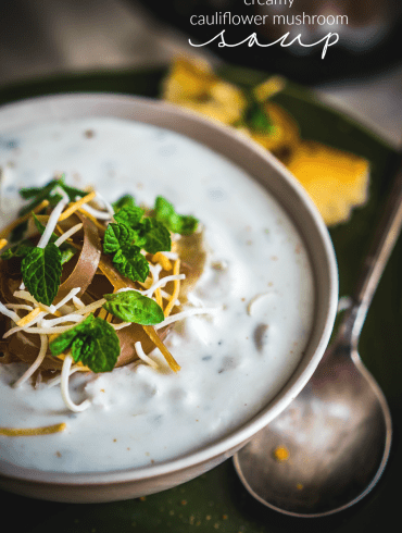 CREAMY CAULIFLOWER AND MUSHROOM SOUP